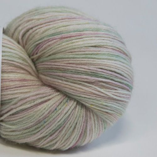4ply wool and nylon - Peaches 17K