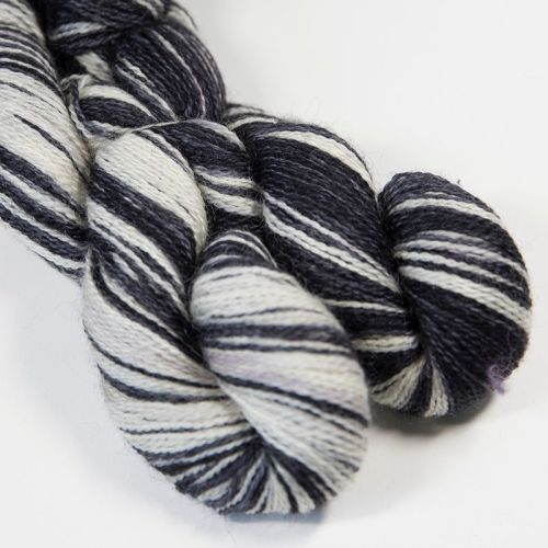 <!-- 004 --> 4ply BFL and Mohair - Zebra 18AA