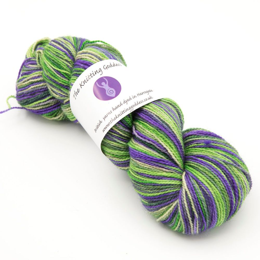4ply BFL & nylon - Violet Meadow 19M