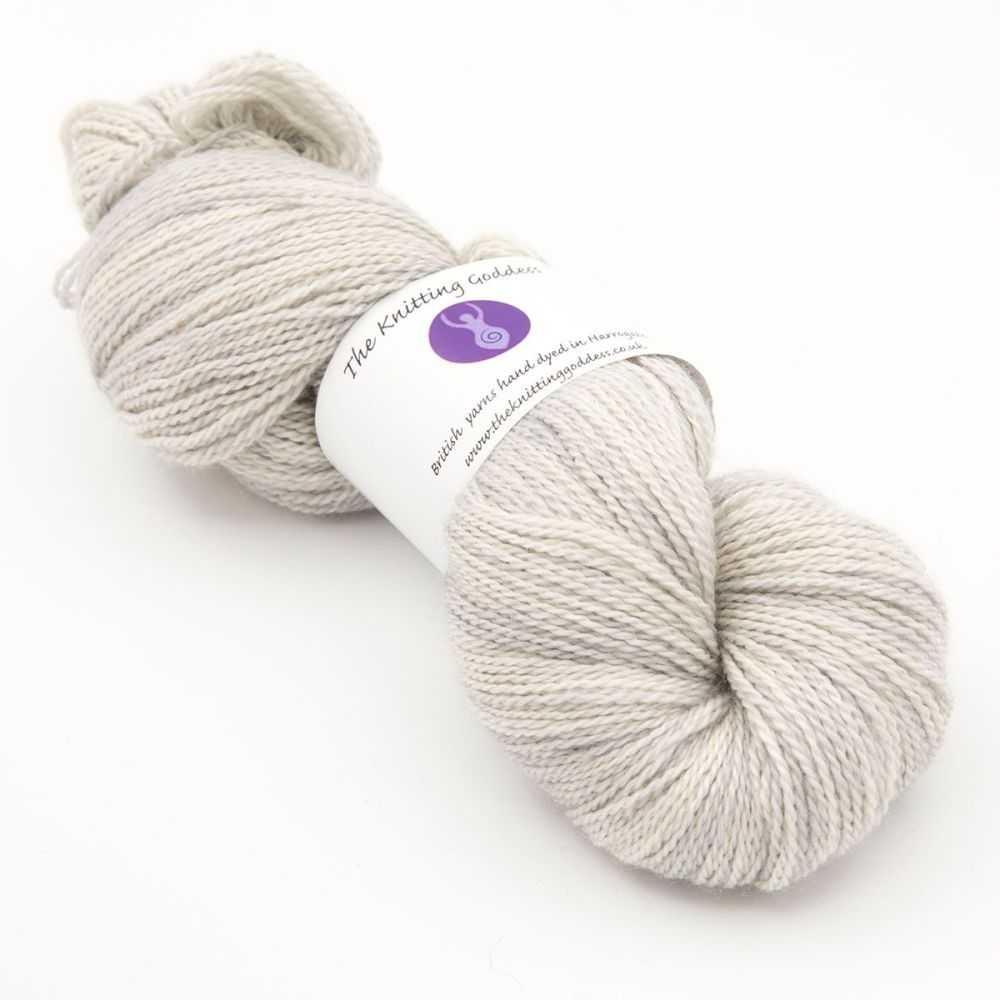 <!-- 003 -->4ply BFL, silk and alpaca - Pearl 18A