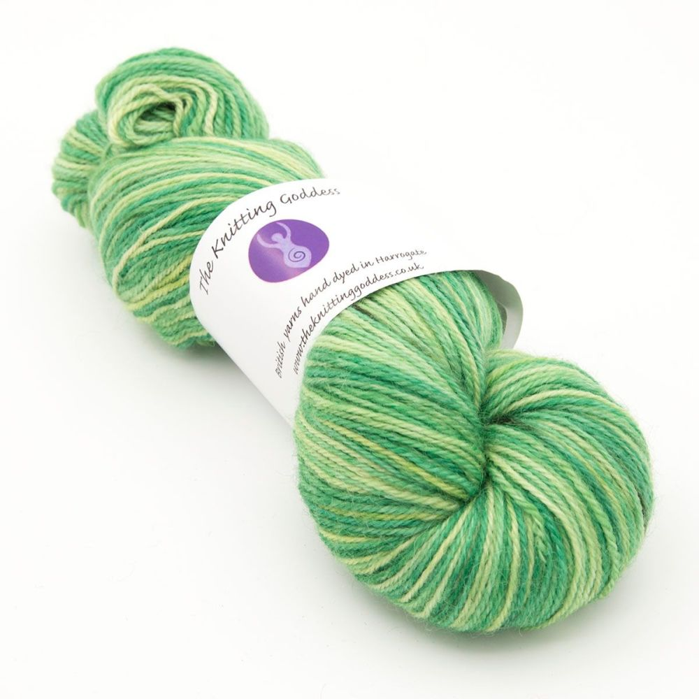 <!-- 001 -->4ply Britsock - Hellebore 19Q