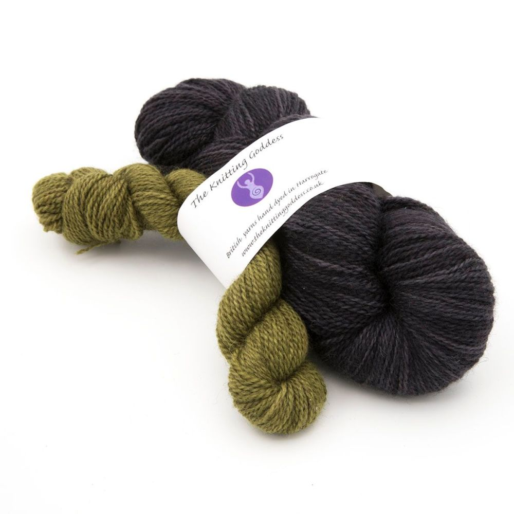 <!-- 004 -->4ply BFL Masham March Shawl Club yarn - Coal and Grellow
