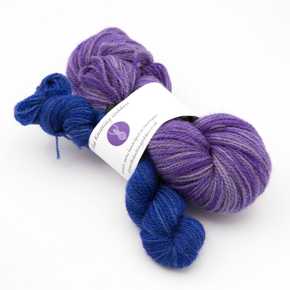 <!-- 004 -->z4ply BFL Masham November Shawl Club yarn - Violet and Blue