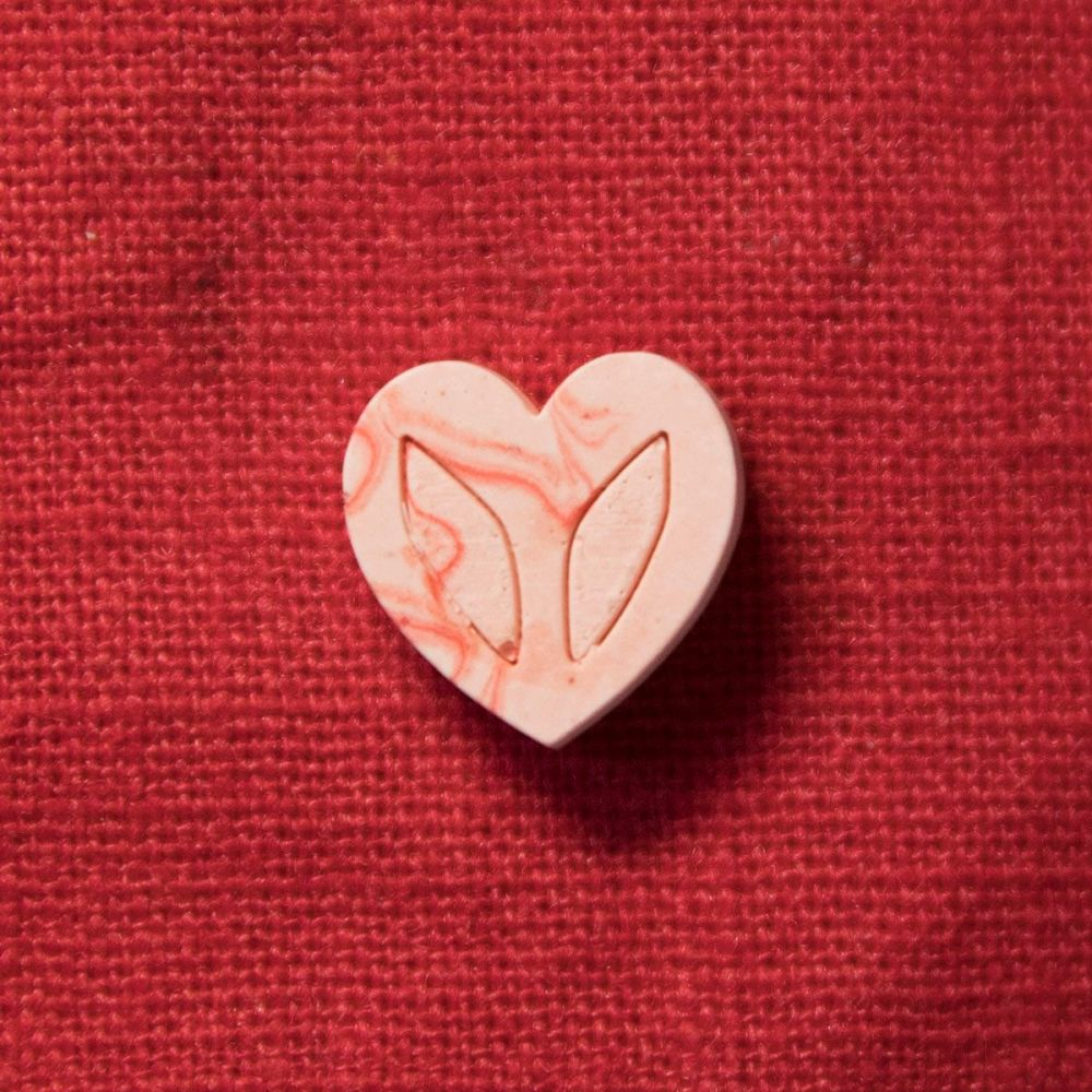 Tiny Jesmonite Heart Pin - Red