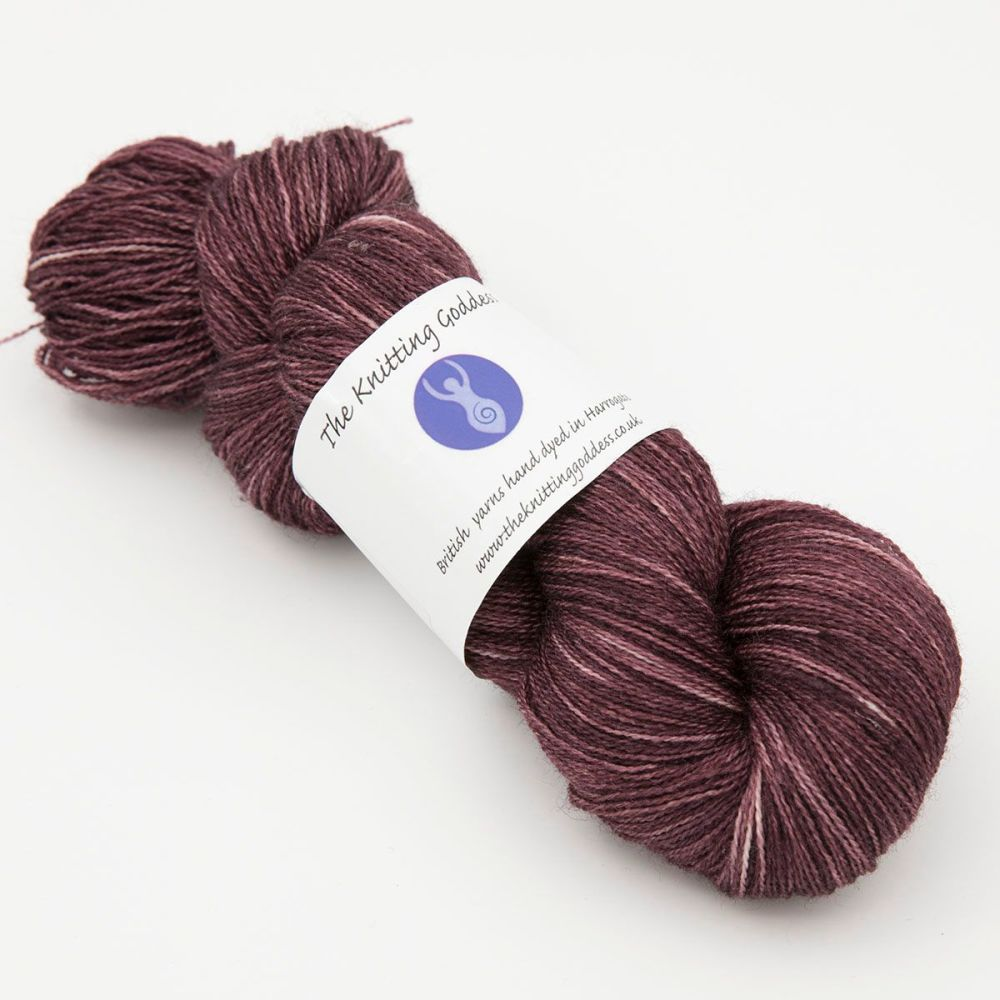 <!-- 009 -->Lace Weight BFL and Silk - Shaded Geranium