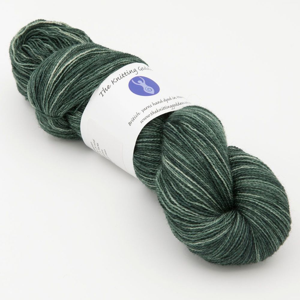 <!-- 011 -->Lace Weight BFL and Silk - Shaded Hellebore