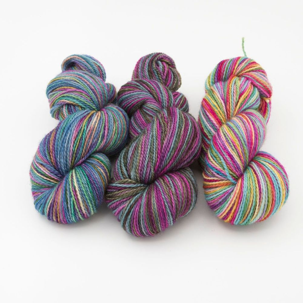 140420a-blue-faced-leicester-nylon-hard-wearing-sock-yarn-British-indie-dye