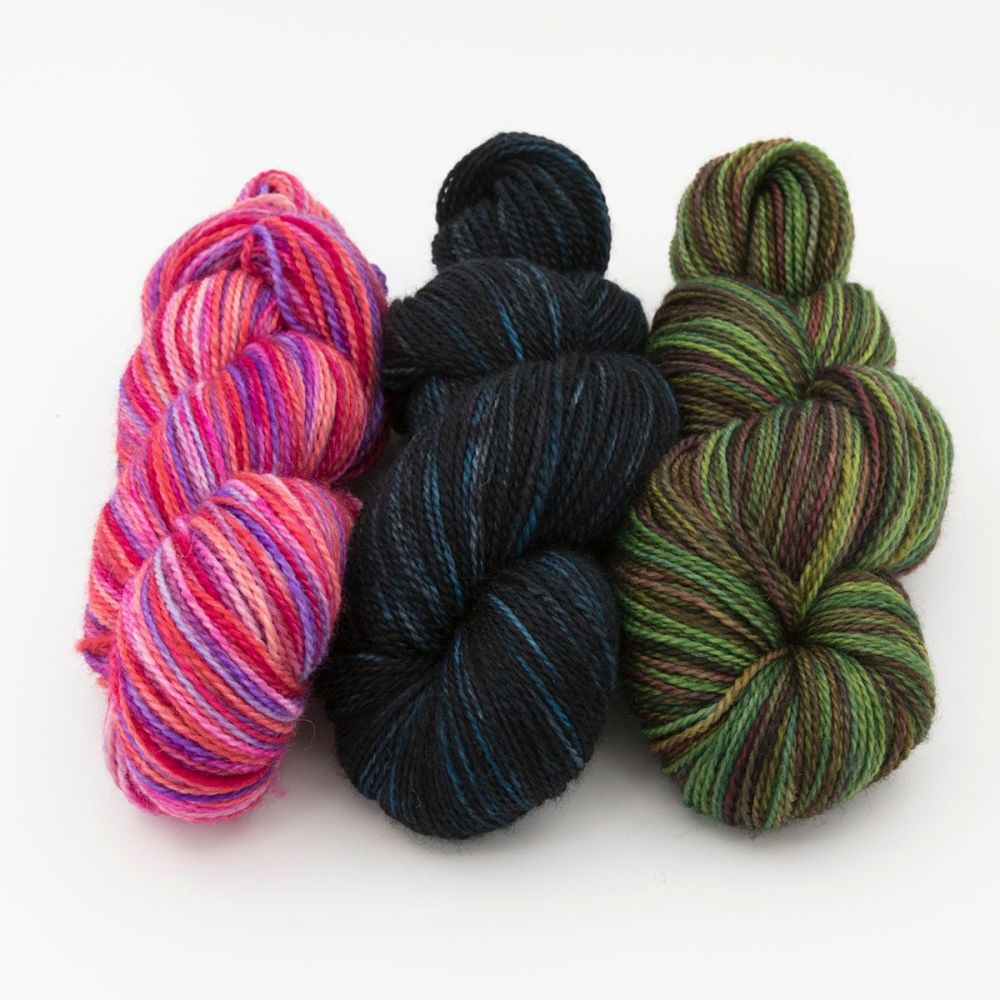 140420b-blue-faced-leicester-nylon-hard-wearing-sock-yarn-British-indie-dye