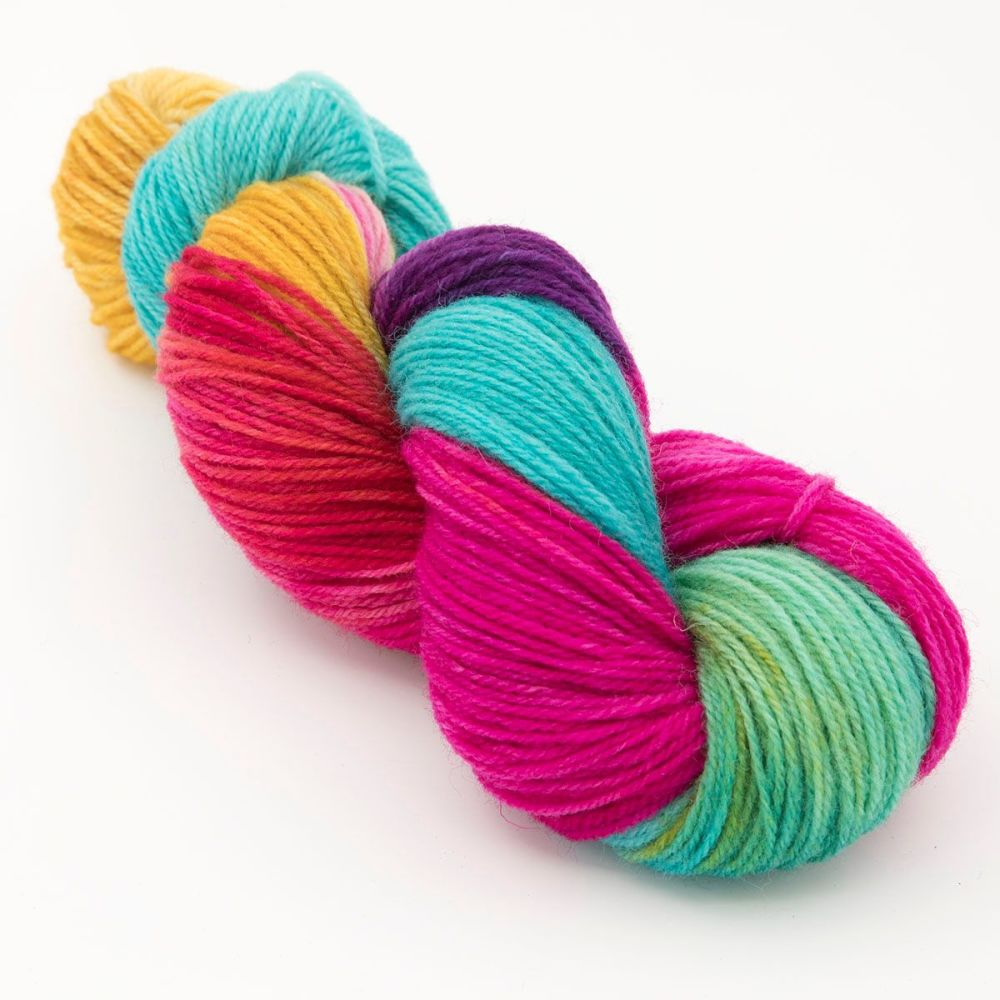 ultimate-rainbow-white-faced-woodland-hard-wearing-dk-sock-yarn-British-ind
