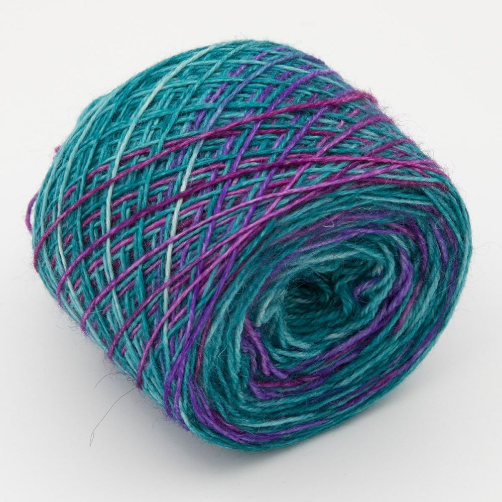 bouquet-britsock-blue-faced-leicester-wensleydale-alpaca-nylon-self-stripin