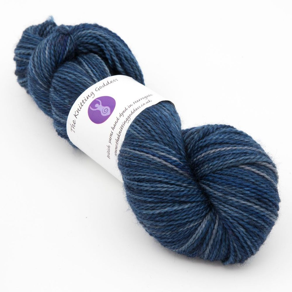 navy-blue-faced-leicester-nylon-hard-wearing-sock-yarn-British-indie-dyed-t