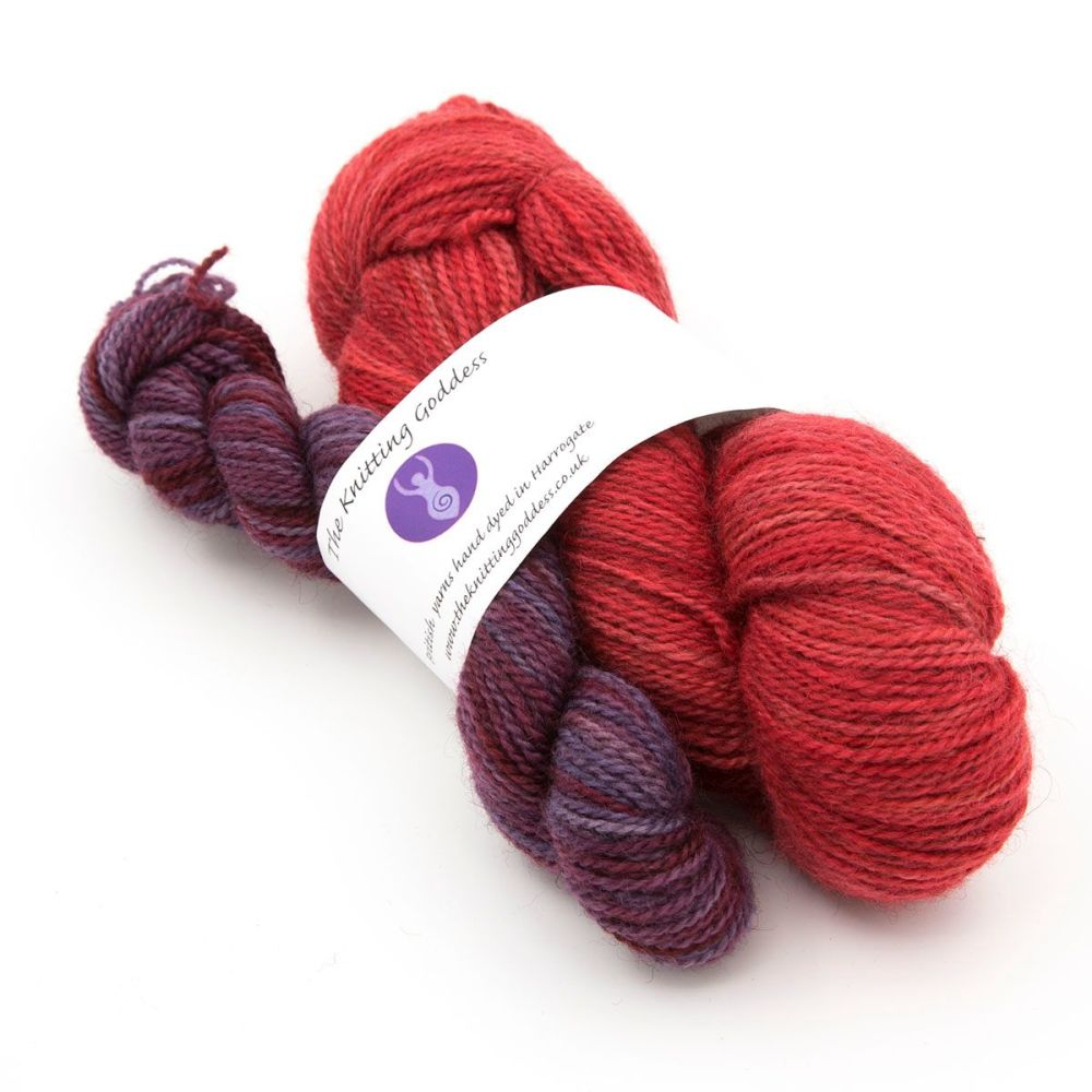 red-plum-mini-skien-blue-faced-leicester-masham-yarn-British-indie-dyed-the