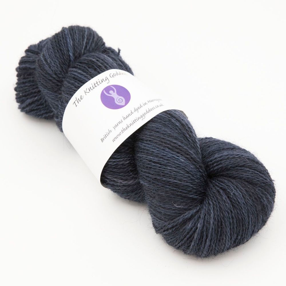 superhero genes midnight blue one farm yarn 4ply hand dyed british wool th