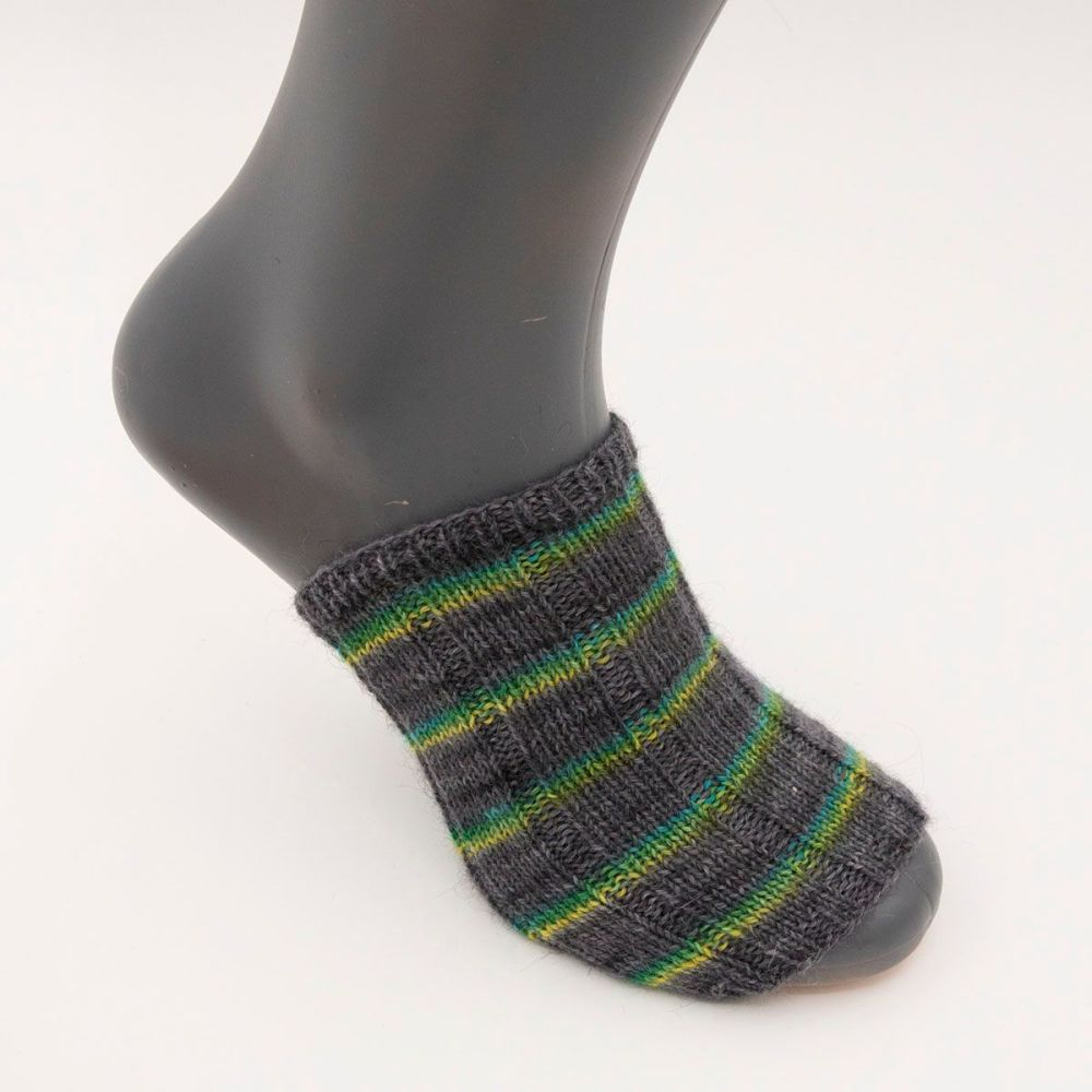 self stripe sock image 8