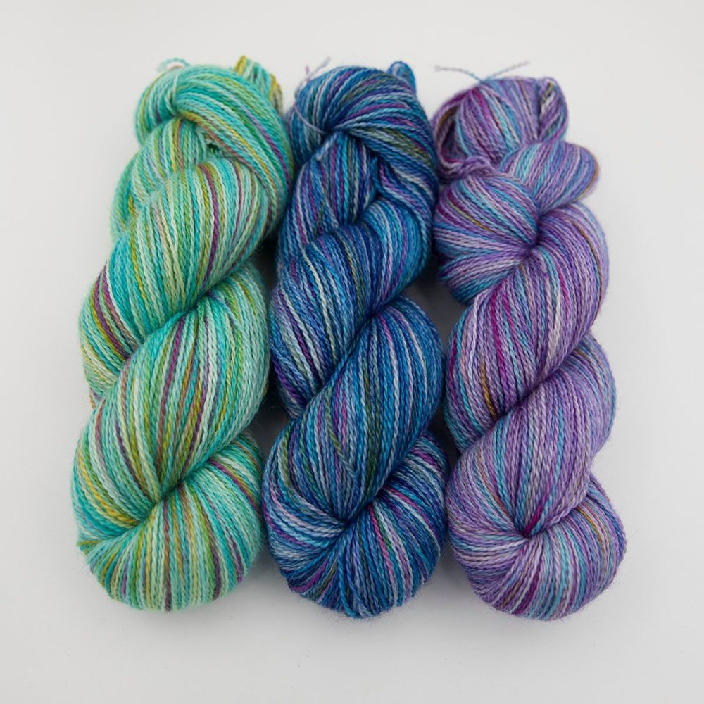turquoise blue violet rainbow splodge yarn blue faced leicester silk alpac