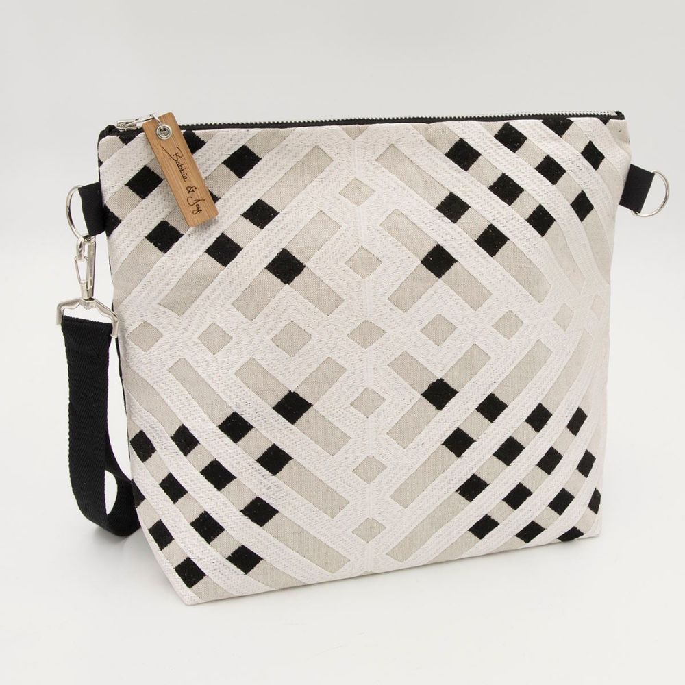 Bag 20 - Reclaimed Fabric Project Bag shiny black and white grid pattern