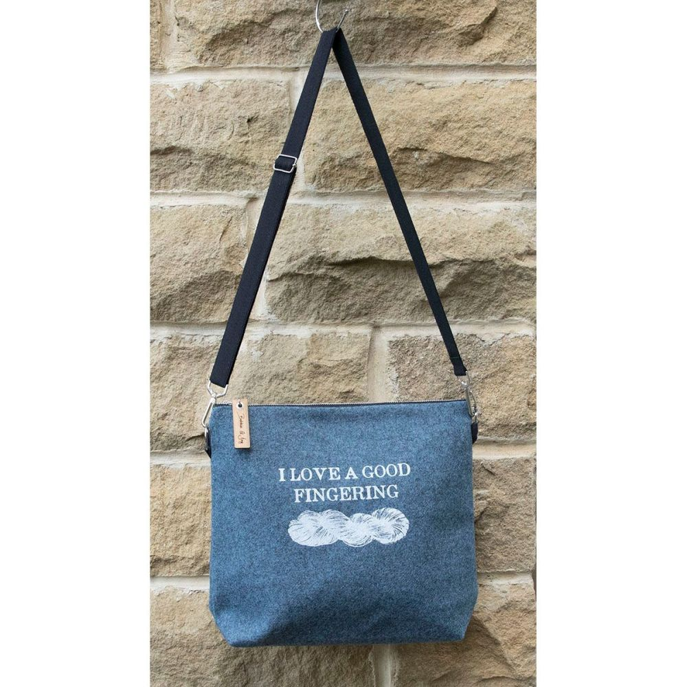 hanging bag good fingering wool felt sqaure