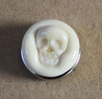 Cream skull glass popper