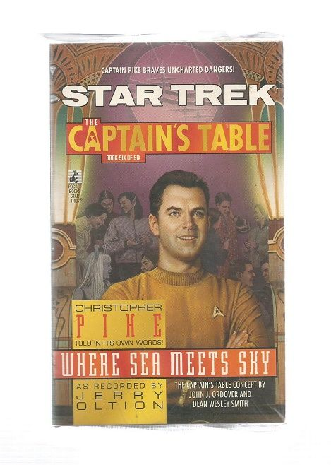 STAR TREK , THE CAPTAINS  TABLE WERE SEA MEETS SKY , PAPER BACK BOOK