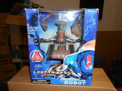 LOST IN SPACE , BATTLE RAVAGED ROBOT