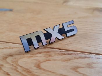 Mazda MX-5 Pin Badge.