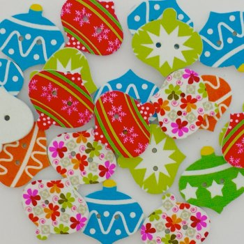 SALE 20 x 25mm Wooden Christmas Bauble Buttons
