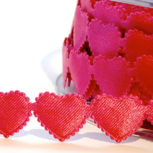 10mm Scalloped Edge Heart Trim - Fuchsia