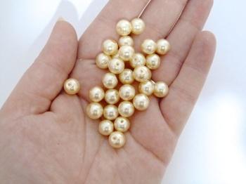 SALE 10 x 8mm wide Pearls - Cream