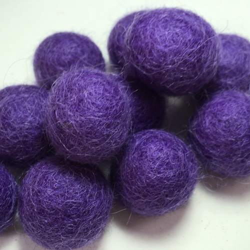 2cm Wool Felt Ball - Plum