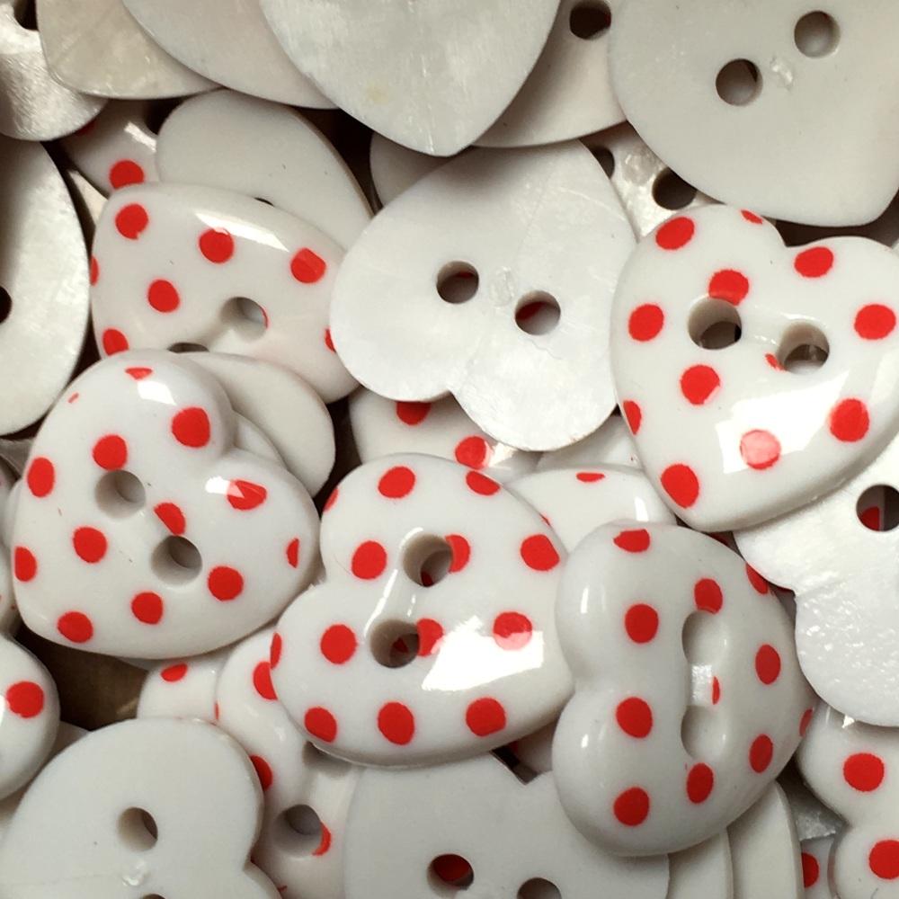 Pack Of 10 15mm Polka Dot Heart Button White Red Dot