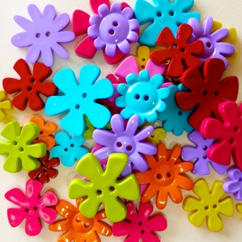 50g Bright Flower Buttons