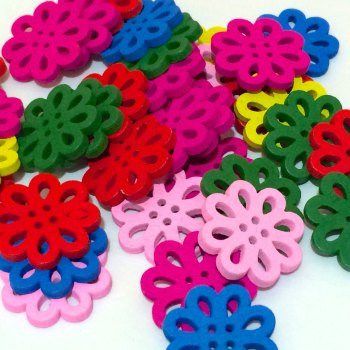 SALE 20 x 20mm Wooden Flower Buttons