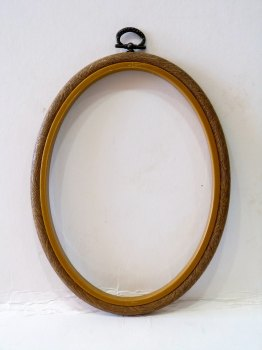 "Large 5"" x 7"" Oval Flexi Embroidery Hoop"