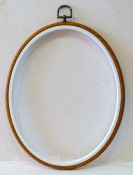 "Giant 8"" x 10"" Oval Flexi Embroidery Hoop"