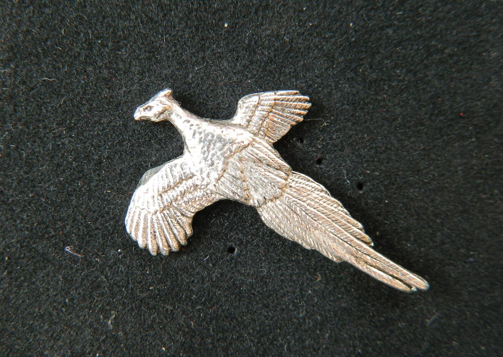 New Product Flying pheasant pewter pin badge