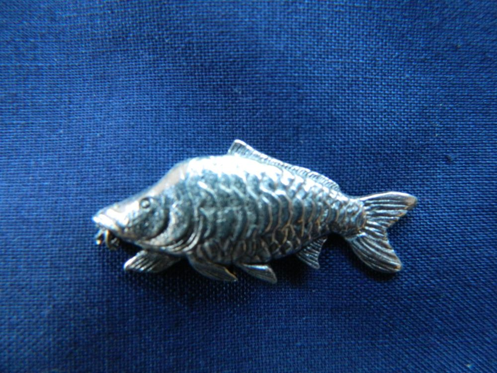 New Product Mirror Carp Pewter pin badge