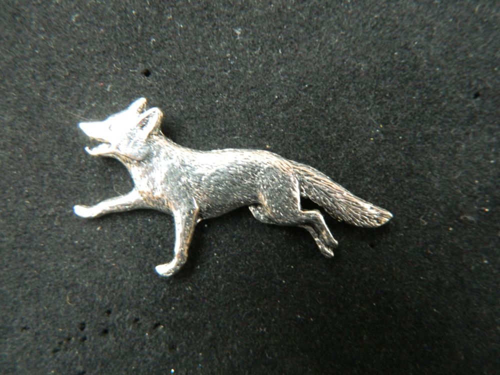 Fox running, pewter pin badge