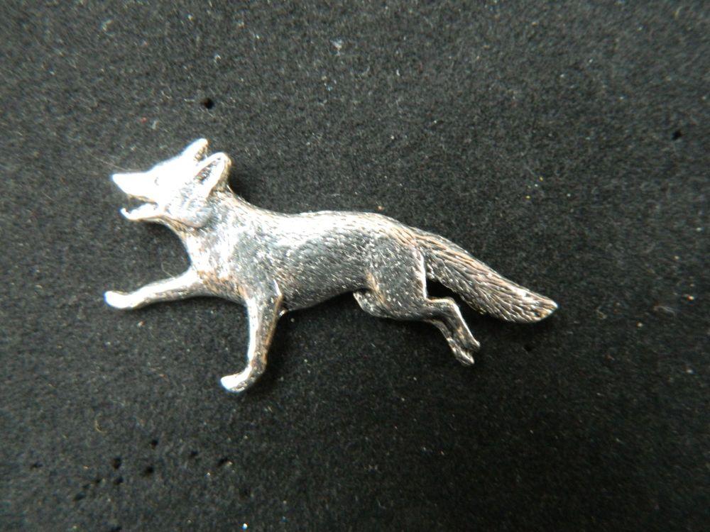 Fox running, pewter pin badge