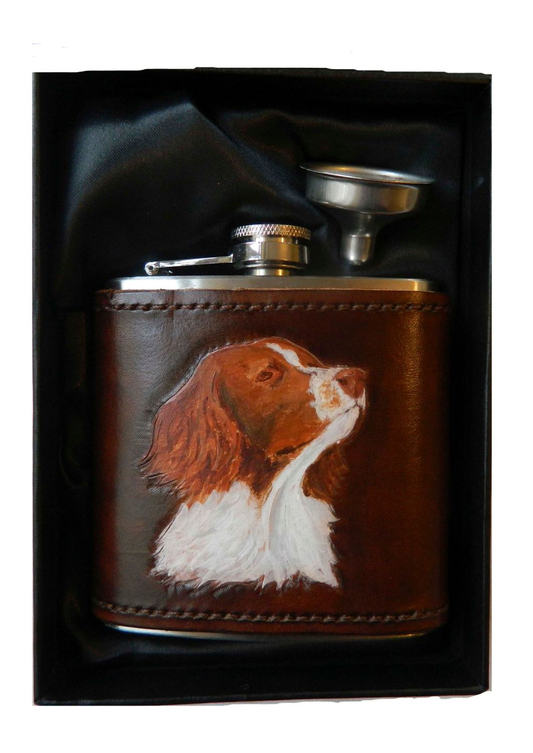 New Product Leather bound hip flask Springer Spaniel