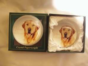 Golden retriever crystal paper weight