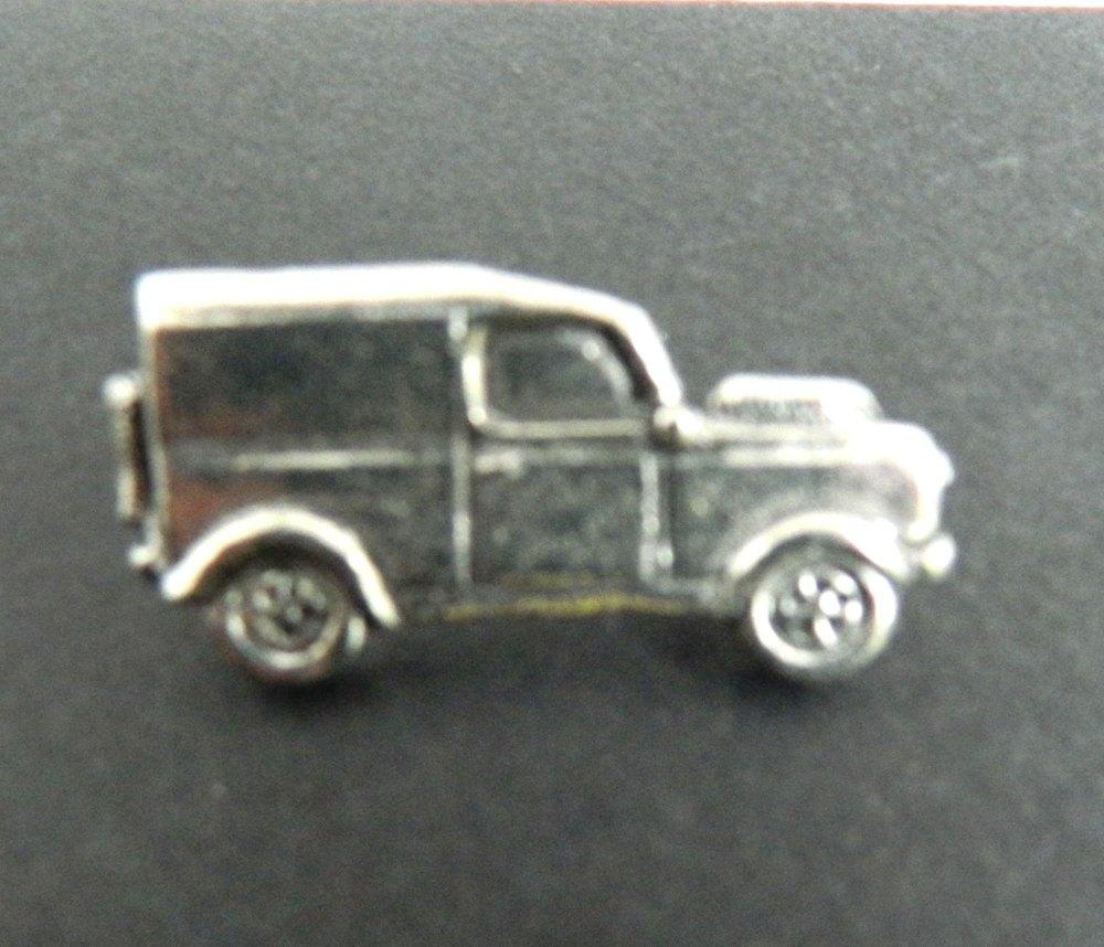 Landrover Pewter Pin Badge