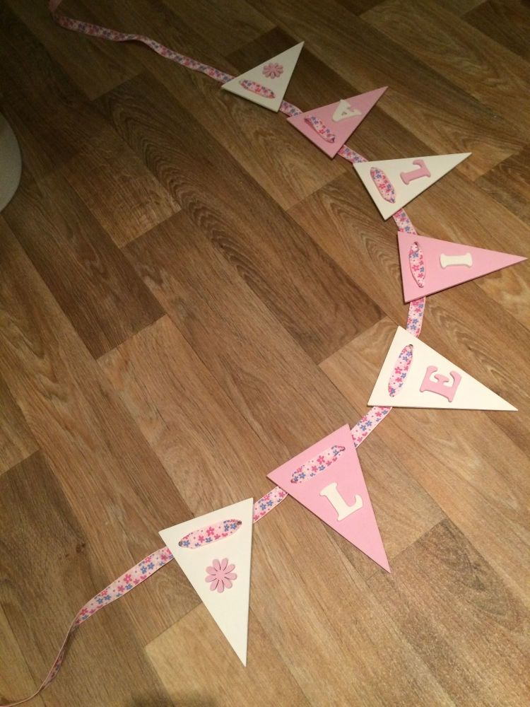 Wooden Bunting - Flower - White and Pink