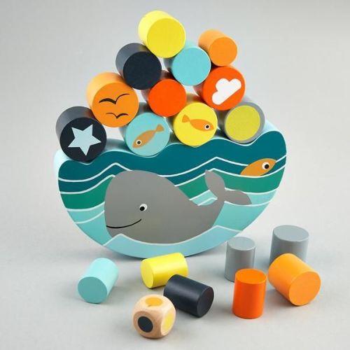 Balancing Game - Whale
