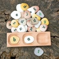 3 Pebble Word-Building Tray