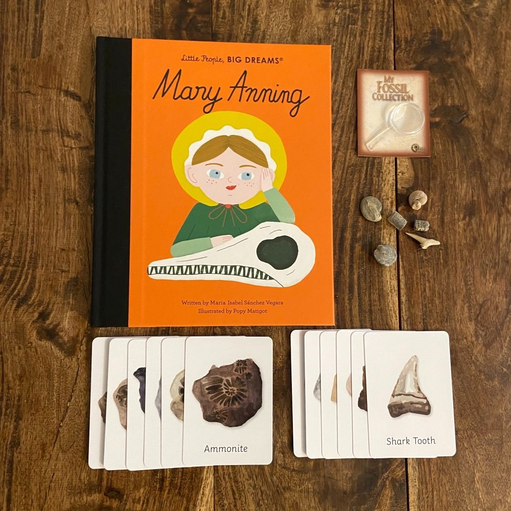 Little People Big Dreams Mary Anning & Fossil Bundle