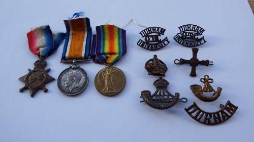 1914/15 Trio to 18/900 Pte W E Walker Durh L I / comm 2/Lieut