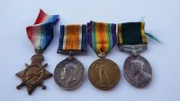 Territorial group to 18/1251 Pte C Fraser Durh L I / Durham Pals