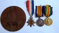 1914/15 Trio and Plaque to 12/1295 Pte F Wright E York R / Hull Pals Sportsmens BN
