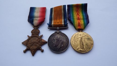 1914/15 Trio to 7/1082 Pte J W Carson Northd Fus / from Alnwick / wounded