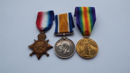 1914/15 trio to 12274 Pte G Whenman Coldstream Guards / Loos Memorial